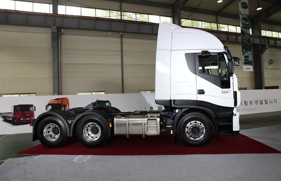 Ile tak naprawdę kosztuje transport ciężarowy?
